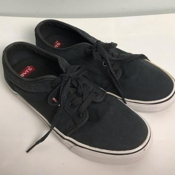🍄 Men's Levi's Shoes. Size 7.5